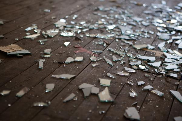 Qué significa soñar con cristales rotos - Qué significa soñar con cristales rotos en el suelo